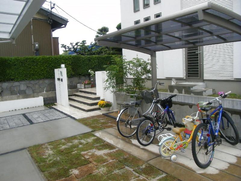 自転車用カーポート。