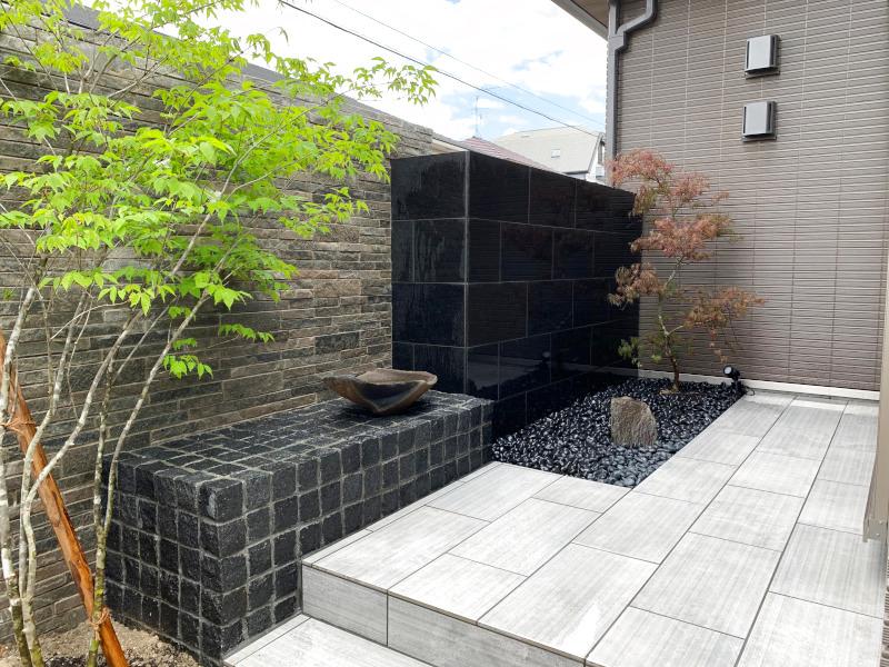 和室前のお庭スペース。バランス良く仕上がりました。