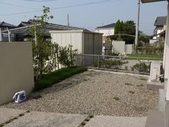 和室前のお庭。→